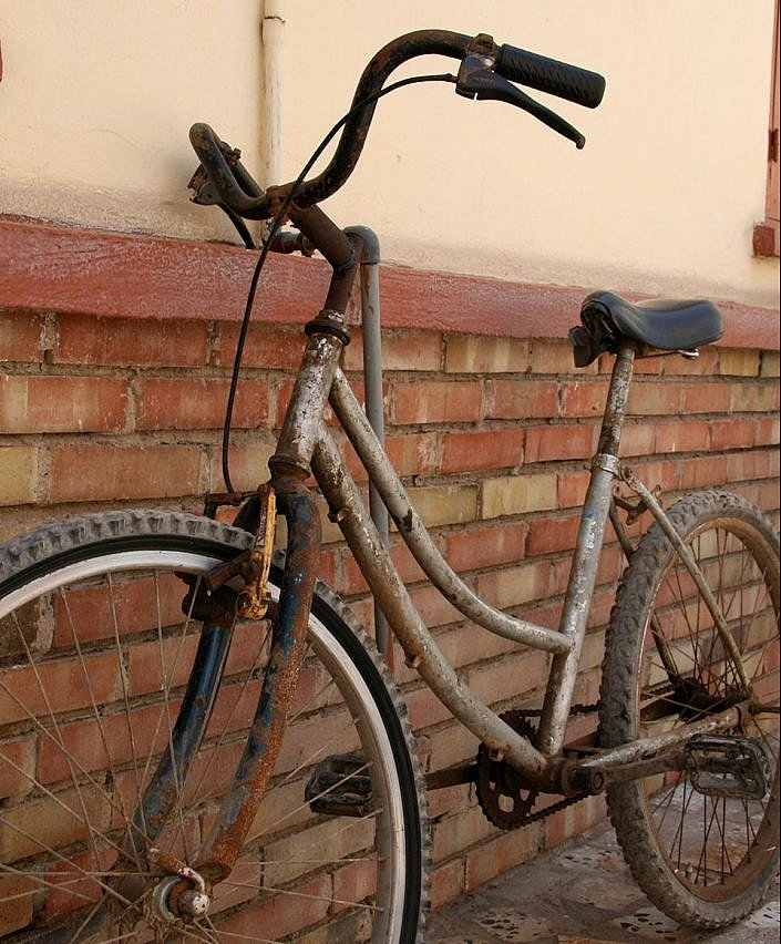Cycling Africa by old bike