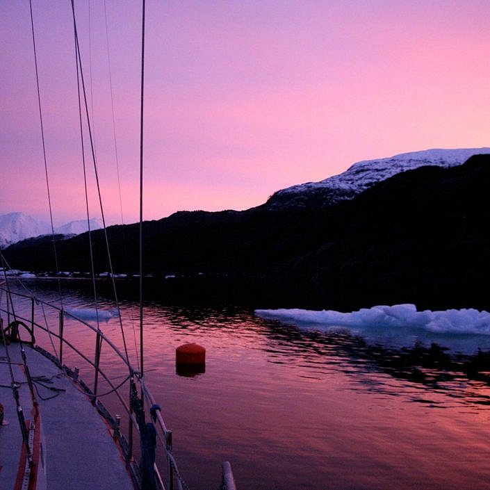 Sailing to the icecap