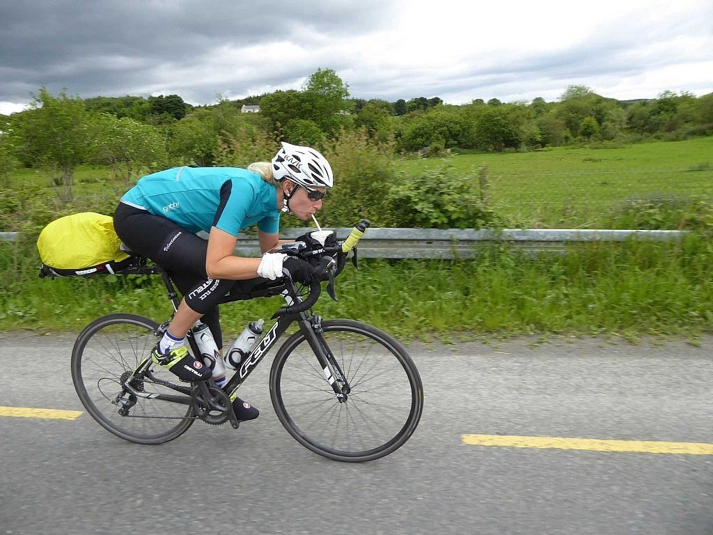 Cycling while drinking milkshake in the TAW bike race