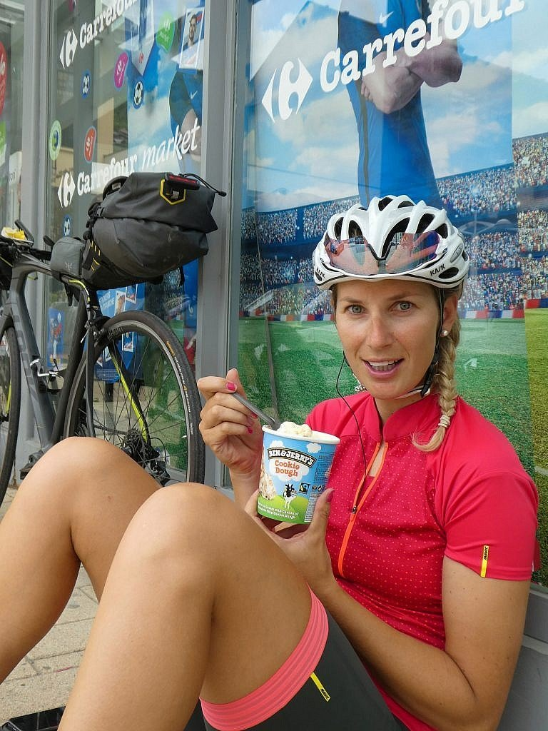 Eating ice-cream, the best endurance food