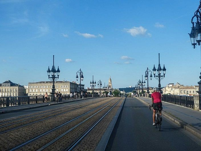 Cycling through Bordeaux
